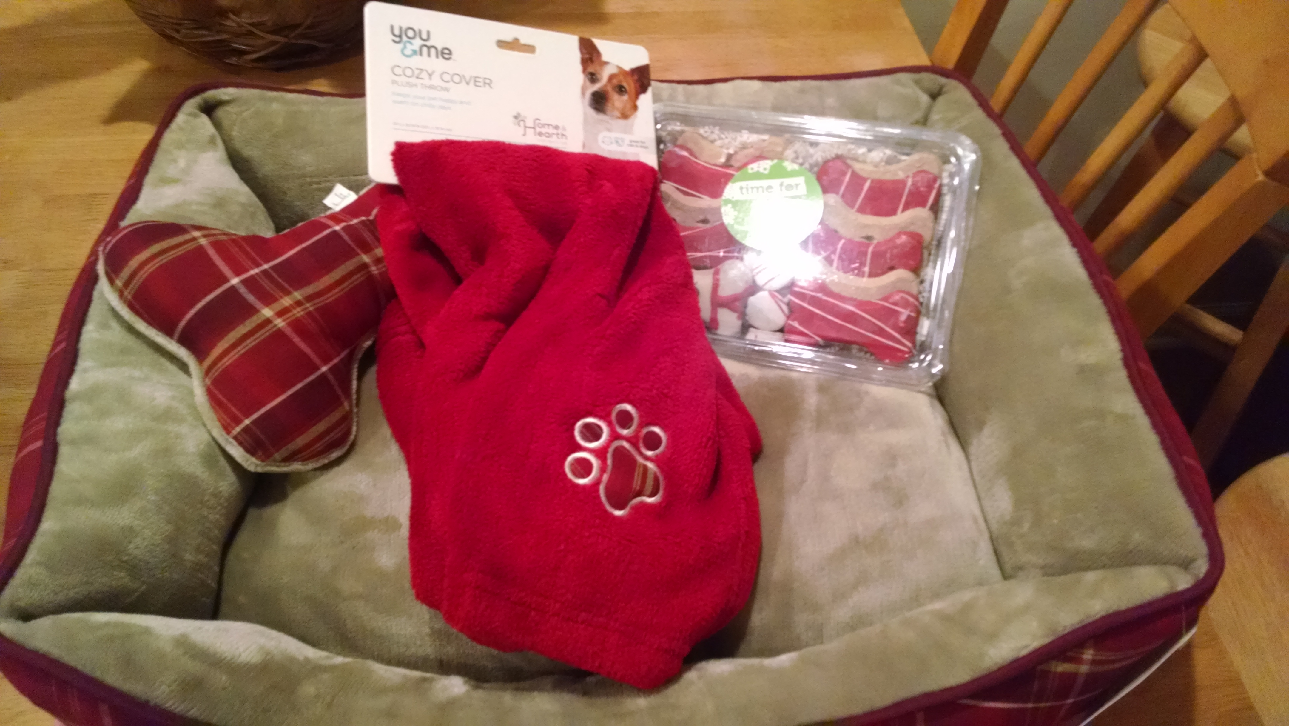 Raffle item Dog Bed Belle Mead Anmal Hospital December 2014 Open House